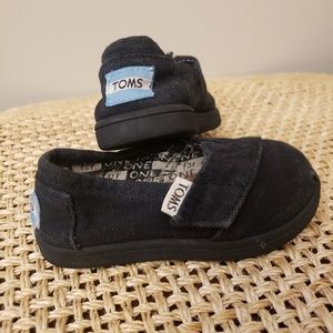 Tom's 5T toddler canvas & Velcro Shoes Black